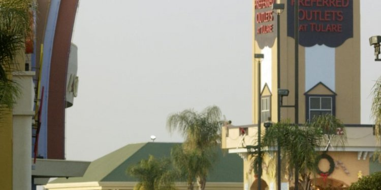 Tulare Outlets plans early
