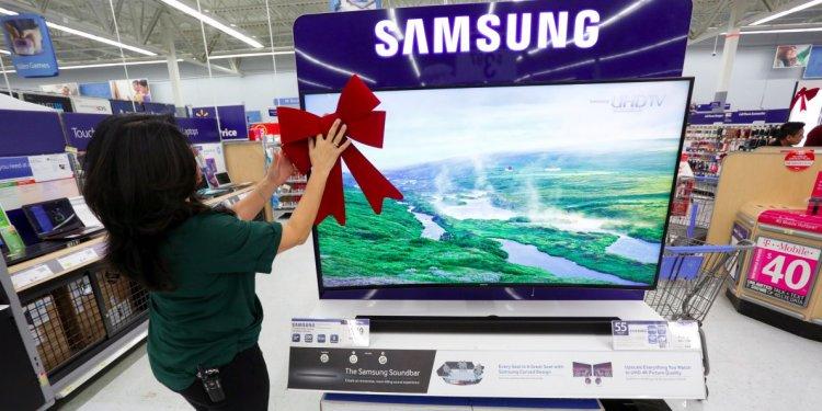 Walmart launches free shipping