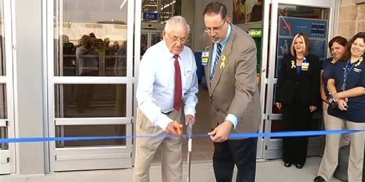 Walmart opens new store at