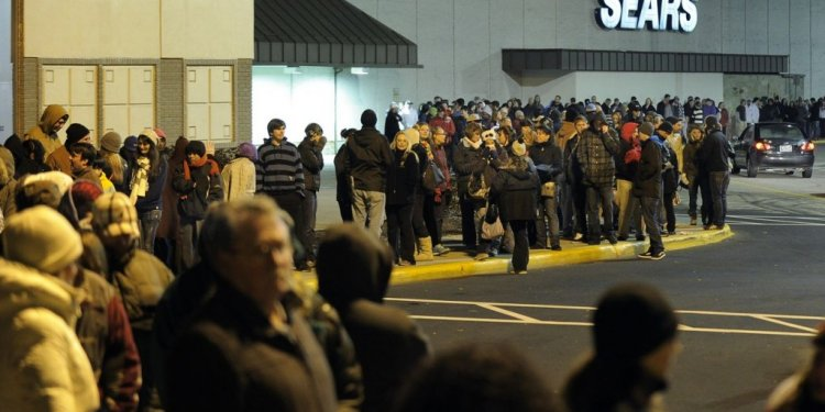 Maine Mall Black Friday hours