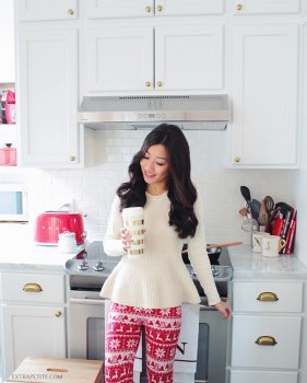 holiday lounge outfit - christmas sweater leggings white cooking area